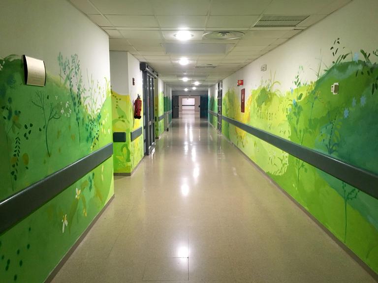 "María Ortega Estepa. Mural ""Cuidar. Amar"" UCI Hospital Reina Sofía Córdoba"