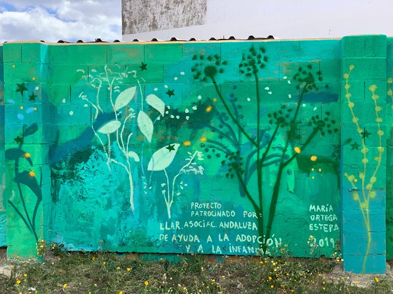 """María Ortega Estepa. Mural """"60 metros de amor"""". CEIP Carlos V. La Línea - Cádiz"""