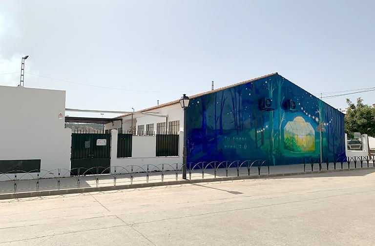 María Ortega Estepa. Mural Tu Hogar eres Tú. Festival de Arte Urbano IGUALARTE